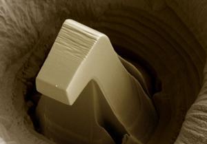 Siddhartha Pathak - USA - Plasticity in steel micro-pillars